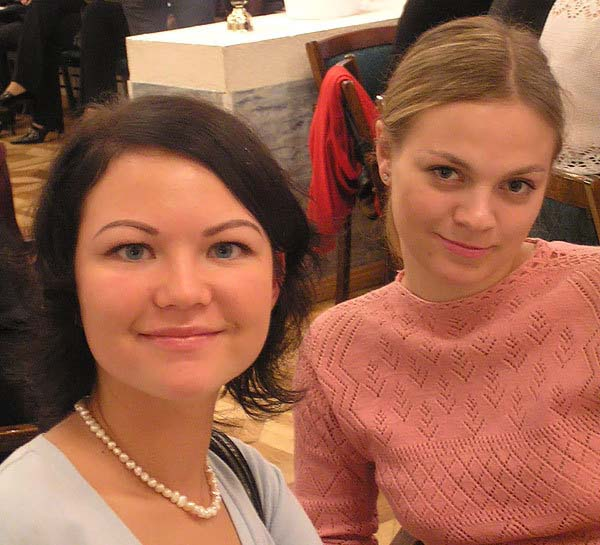 Russian women at singles tours